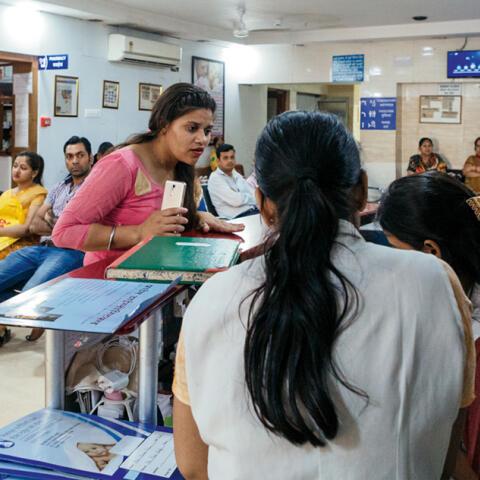 La clínica india que no pone límites a la maternidad