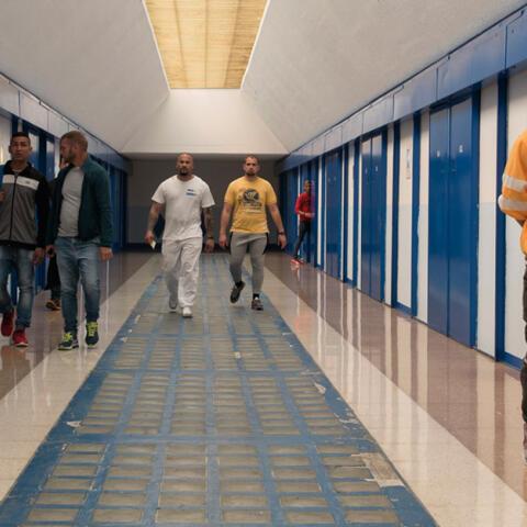 Funcionarios de prisiones: un trabajo de alto riesgo